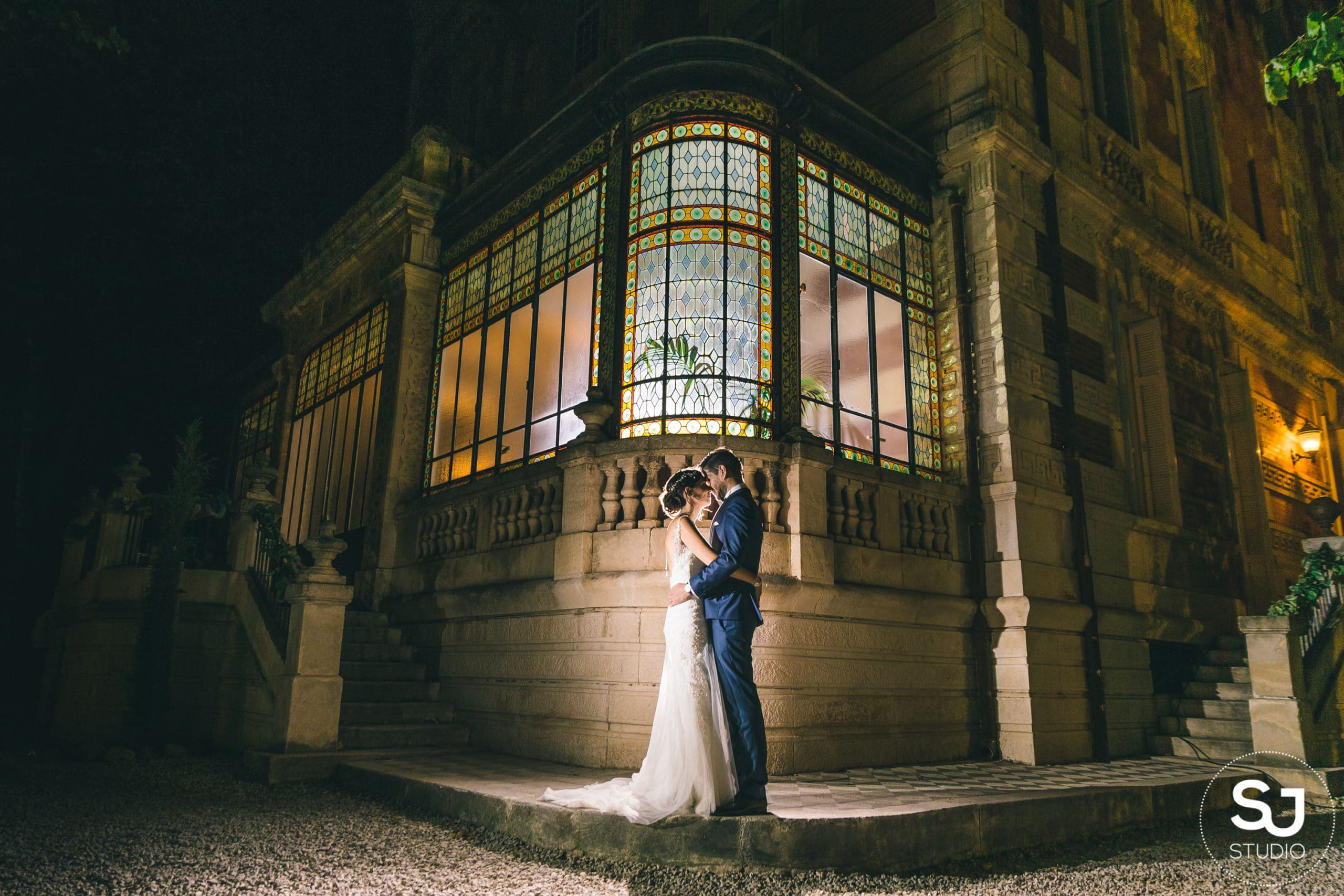 bride-groom-couple-conservatory-wedding-chateau-venue-reception-south-france-provence-magic