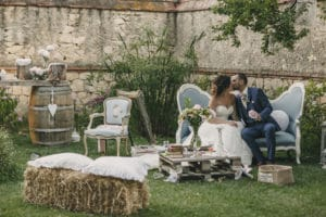 chateau-lancon-provence-mariage-photobooth-maries-parc-south-france-wedding
