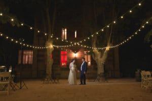 maintenir-mariage-wedding-provence-lieu-reception-aix-marseille-salle-lancon-salon-couples-maries-robe-chateau-lumiere-guinguette