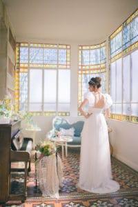 mariee-robe-mariage-inspiration-chronique-serie-bridgerton-printemps-lieu-reception-provence