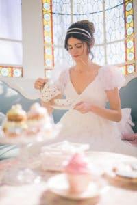 mariee-the-verriere-mariage-inspiration-chronique-serie-bridgerton-printemps-lieu-reception-provence