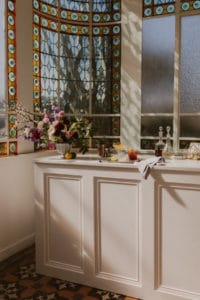 wedding-planner-bar-verriere-fleurs