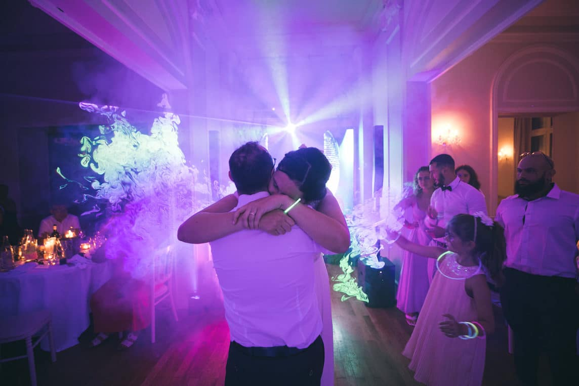 mariage-amour-provence-maries-danse-lasers