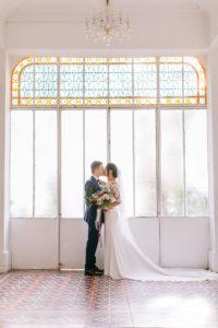 photographies-mariages-bouches-du-rhone-maries-verriere