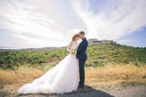maries-mariage-bouquet-fleurs-robe-mariee