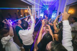 dj-mariage-13-maries-invites-soiree-dansante-chateau