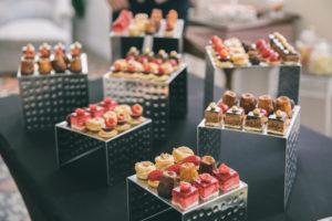 traiteur-mariage-13-buffet-desserts-chateau-verriere
