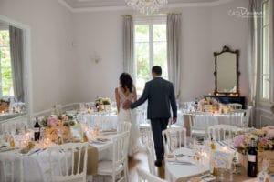 decoration-salle-mariage-provence-tables-reception-maries-mariage-wedding-lieu-chateau-provence-souh-france-venue-aix-salon