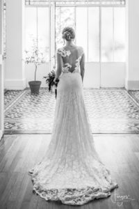 photographies-mariages-bouches-du-rhone-mariee-verriere