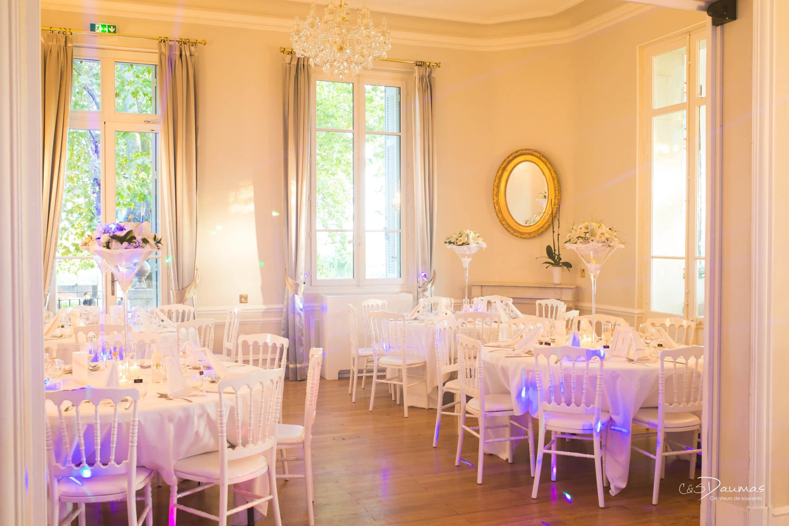 mariage-provence-wedding-venue-reception-chateau-tables-parquet-miroir-13-south-france-bouches-rhone