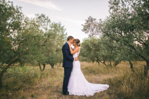 maries-robe-mariee-vignes-chateau-mariage