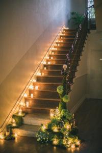 decoration-florale-mariage-13-decoration-escaliers-shooting-inspiration-chateau