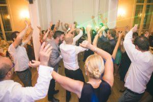maries-invites-soiree-dansante-chateau
