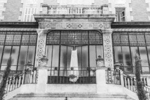 photographe-videaste-mariage-13-verriere-robe-mariee-chateau