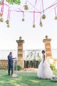 ceremonie-maries-discourd-parc-decoration-florale