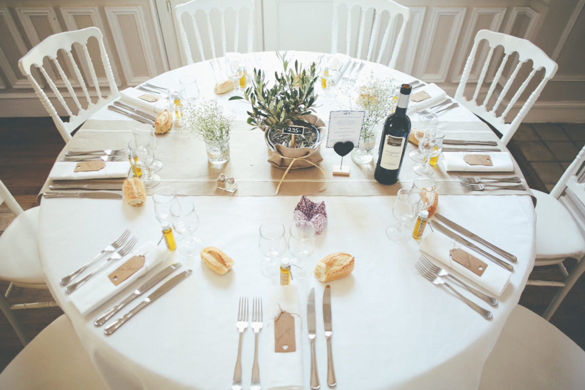 decoration-salle-mariage-provence-cadeaux-invites-mariage-huile-olive-provence-south-france-wedding-favours